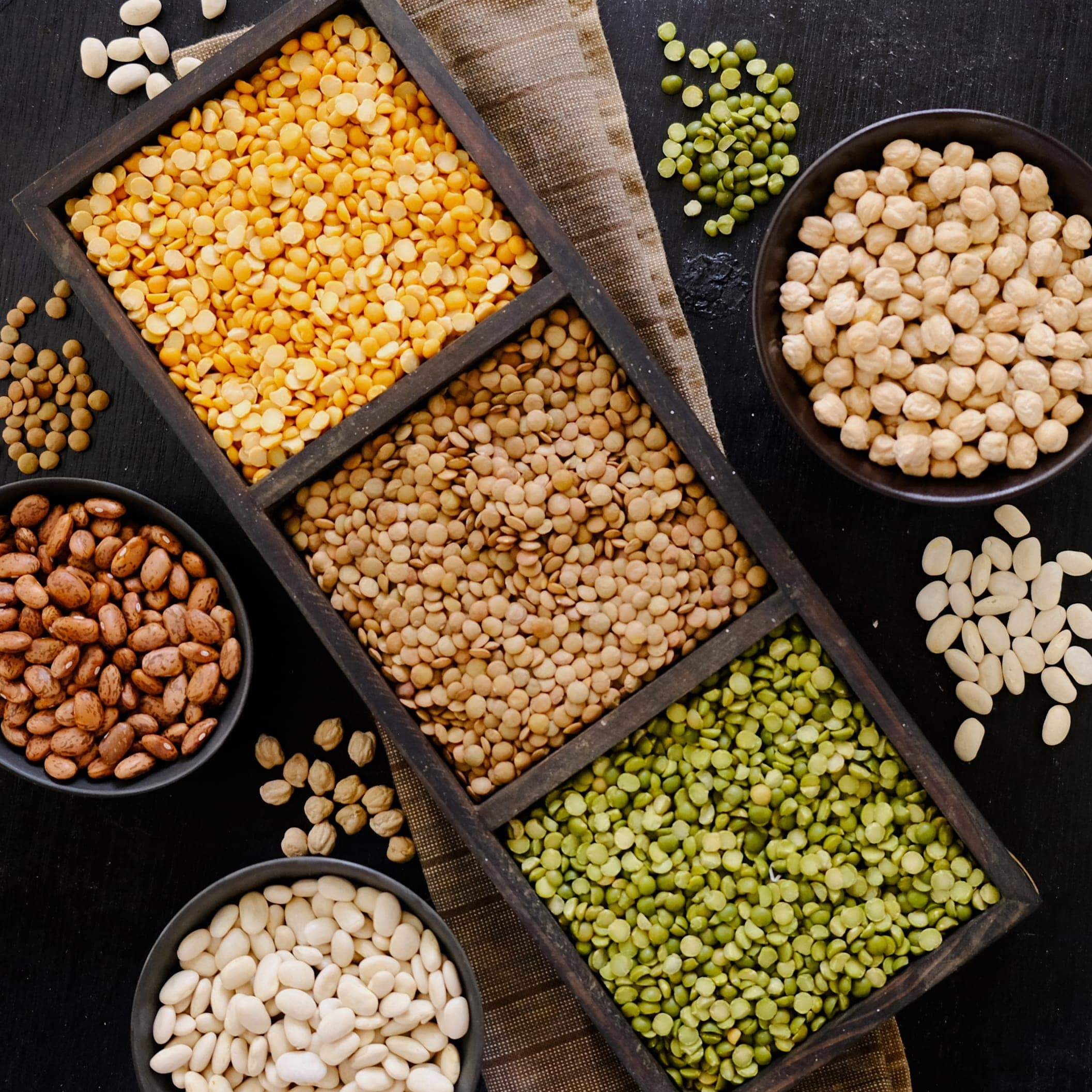 variety-of-raw-pulses-in-dark